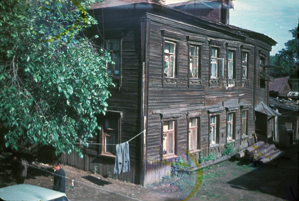 1970-74 Двор дома15-16 по 2 пр. Марьиной рощи. Богомолов А.К. (2).jpg