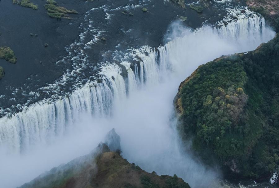 6. Водопад Виктория – аэрофотосъемка. Автор фото: Котоми Ито