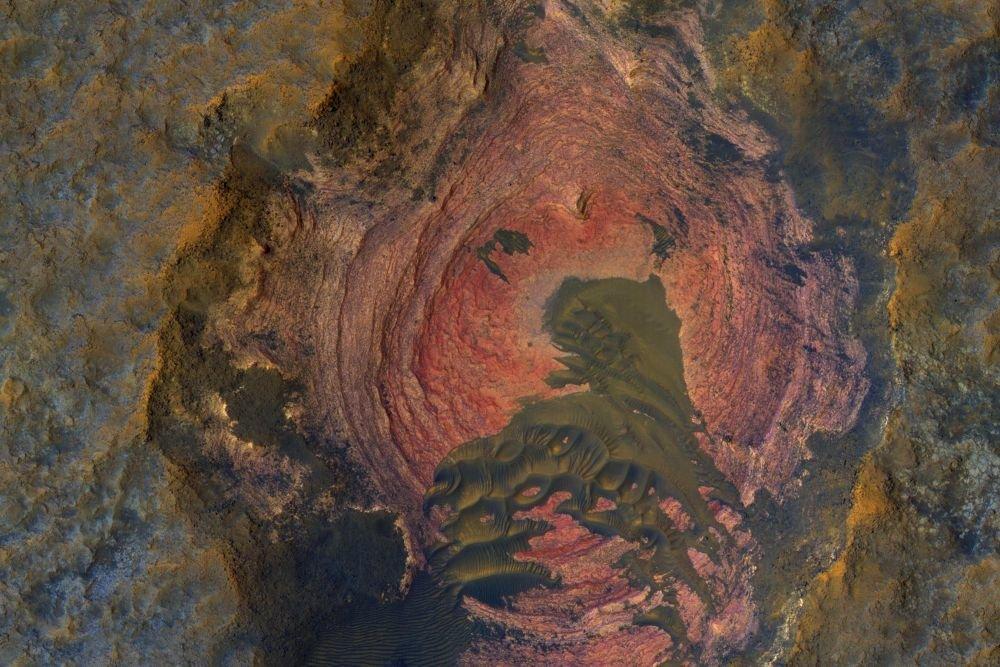 Новый снимок Марса: удивительная поверхность идюны