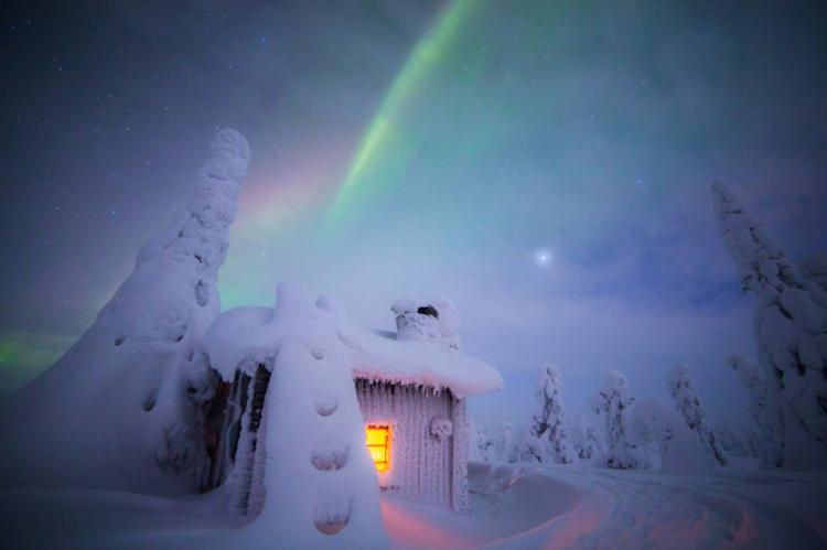 Завораживающая красота Лапландии в свете северных сияний