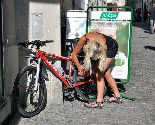 Леди с велосипедом