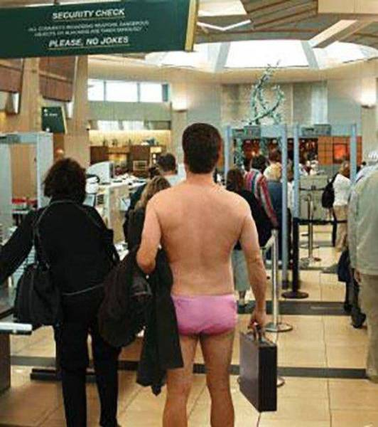 Тем временем в аэропортах