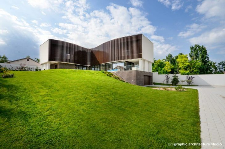 House F by Prographic