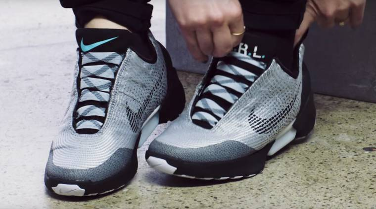 Nike HyperAdapt - The automatic lacing shoes will be launched in November