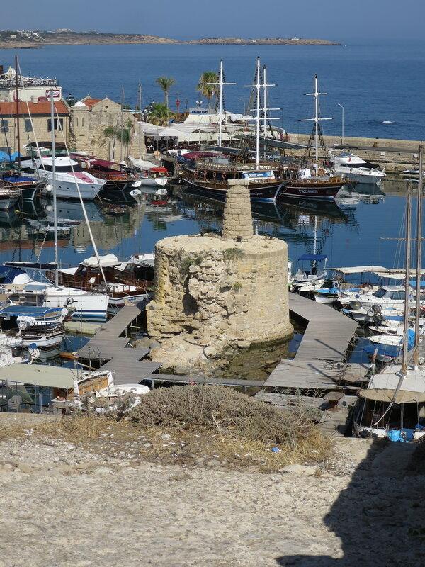 Кирения. Цепная башня в городской гавани