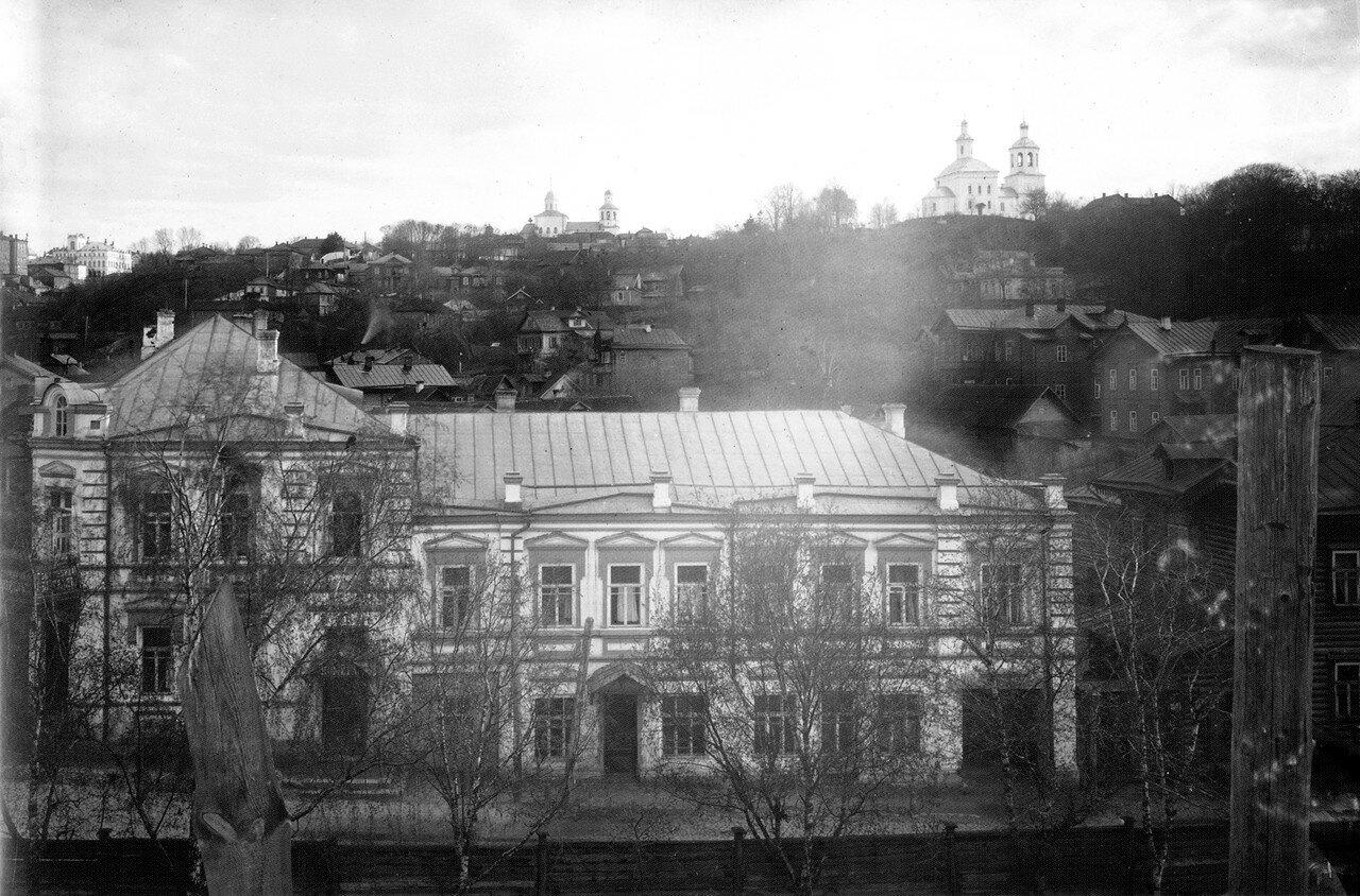 Вид с крепостной стены на Немецкую улицу и Вознесенскую гору. 1909