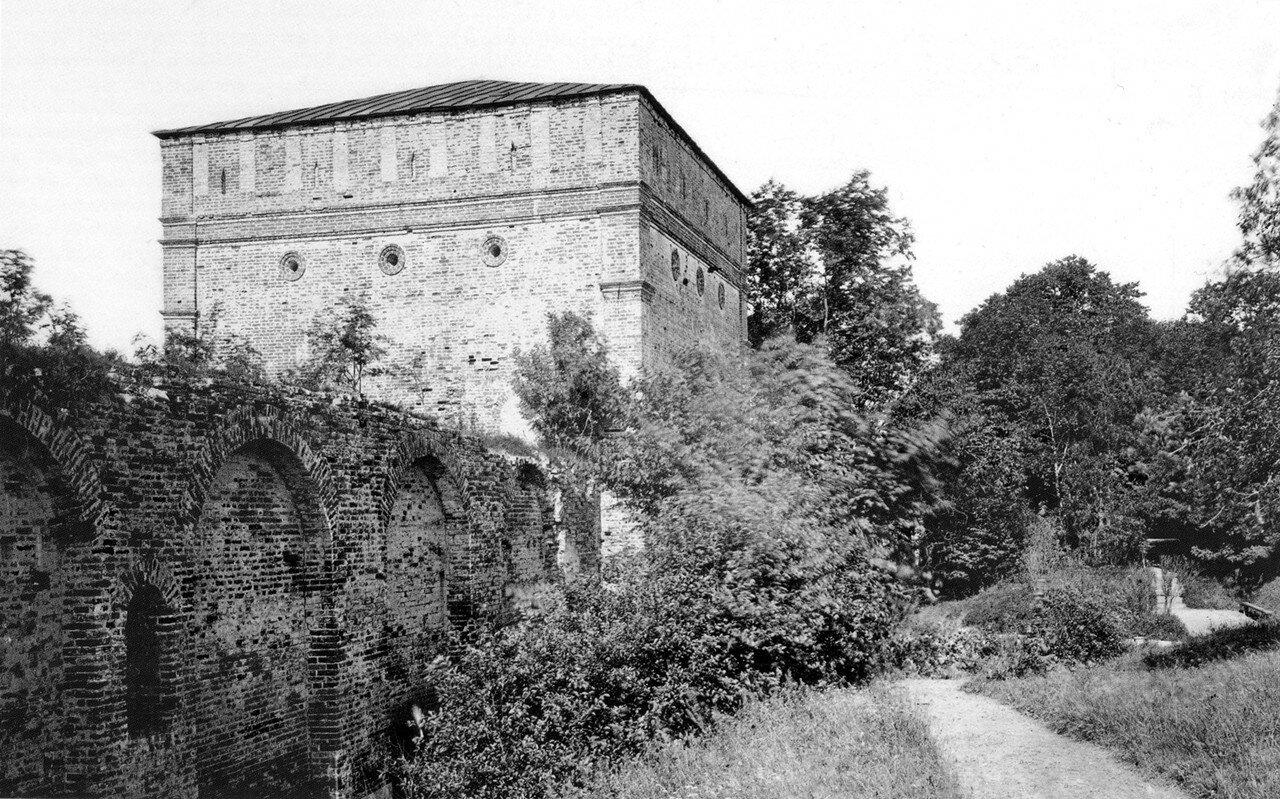 Копытецкая проездная башня и Лопатинский сад. 1890-е