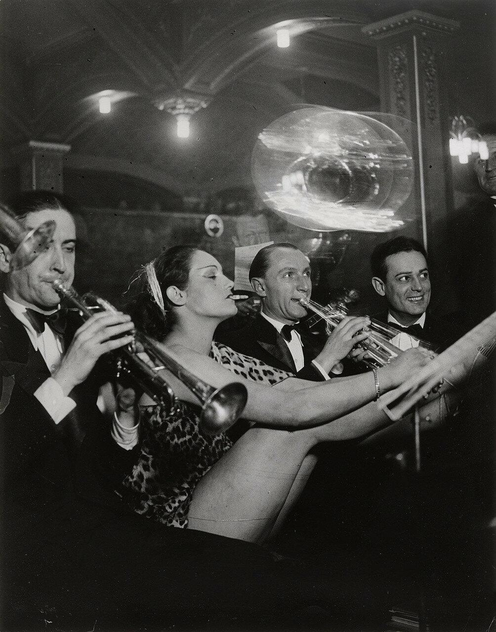 1931. Дансинг  «Орда» на  Монпарнасе. Девушку зовут «Пантера»