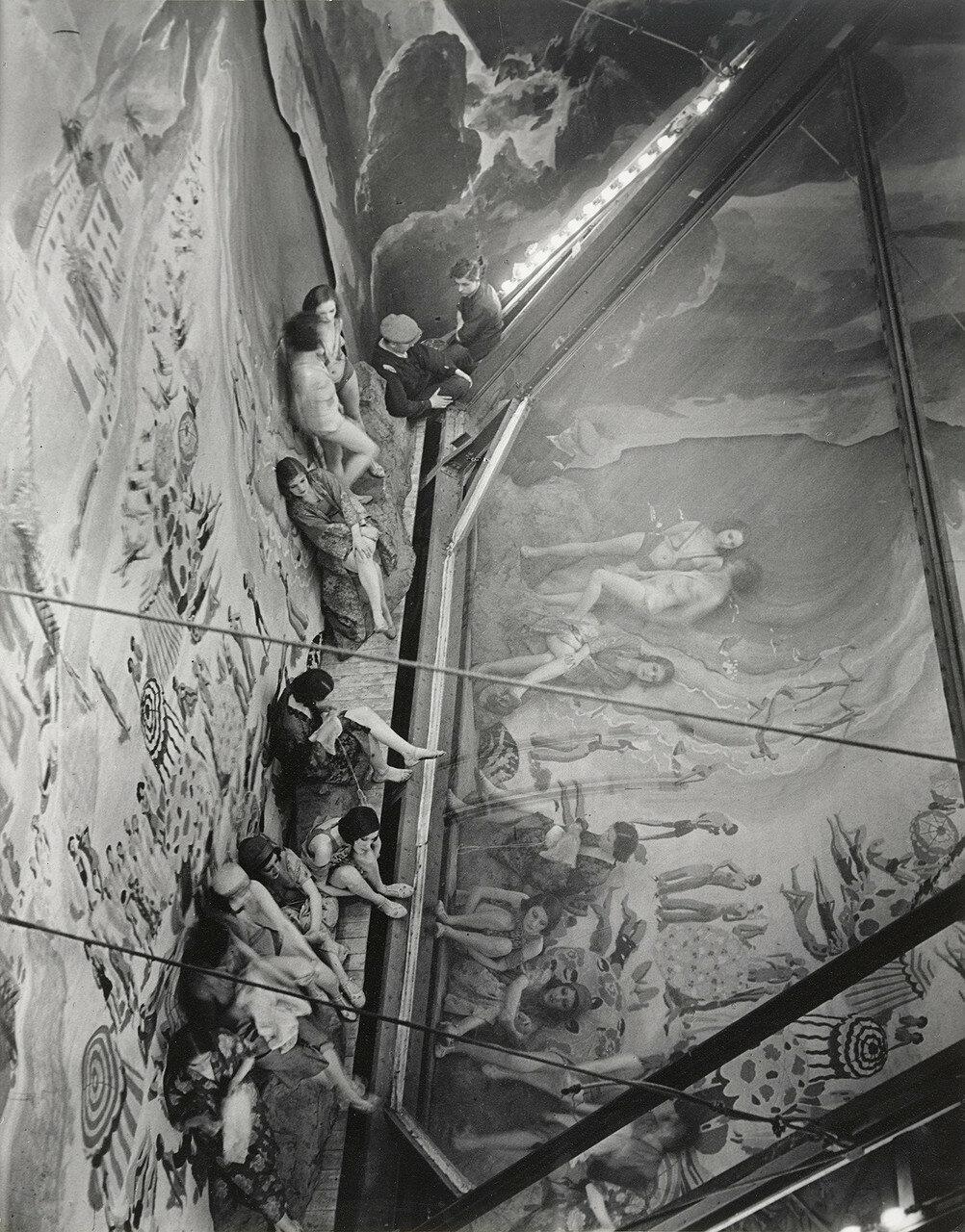 1932. «Фоли Берже». Жуан-ле-Пен,