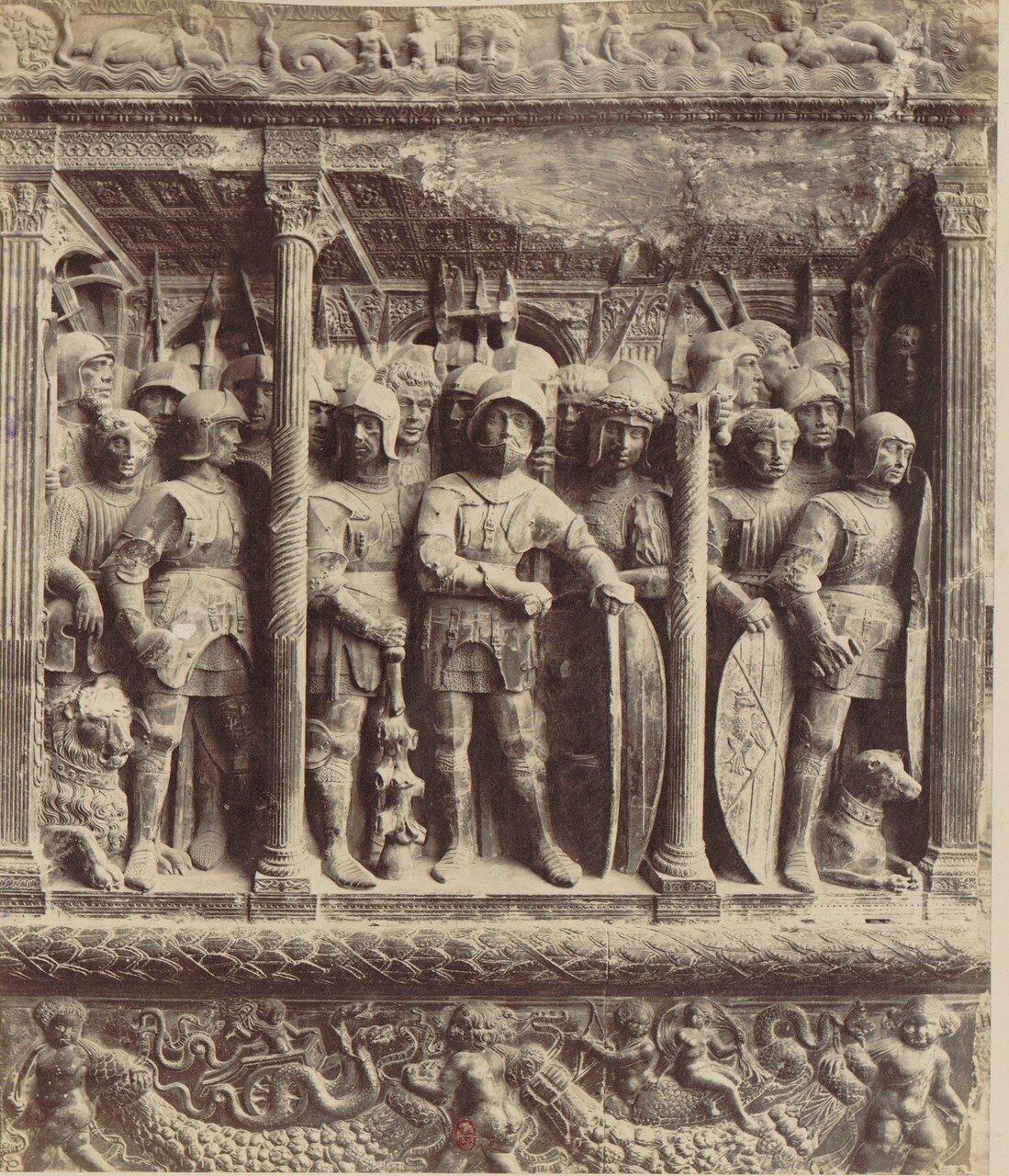 42. Кастель-Нуово. Двери с изображением Фердинанда I Арагонского и его воинов