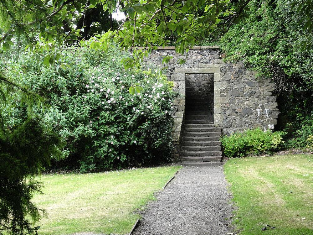 fs1000x800px-Dumbarton_Castle_5.jpg