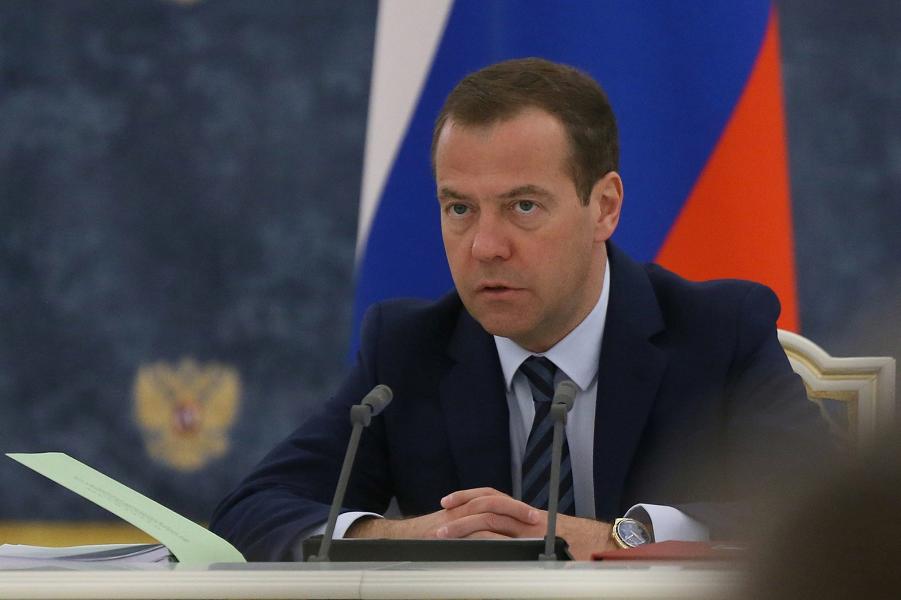 Дмитрий Медведев, октябрь 2016.png