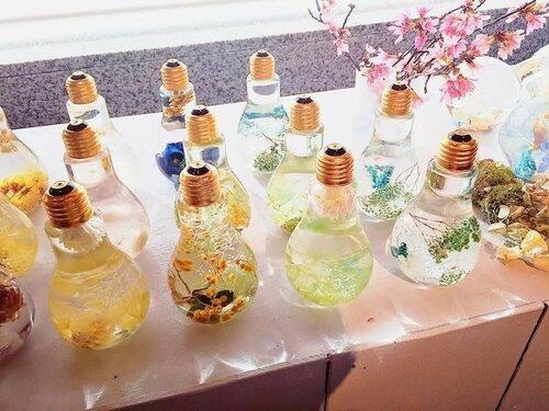 Цветочный дизайн обычных лампочек