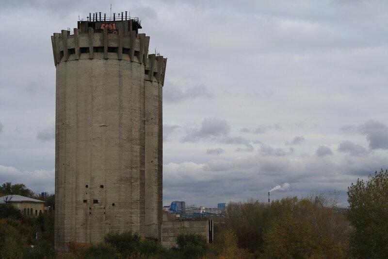 Изолятор №1 и мост 390.JPG