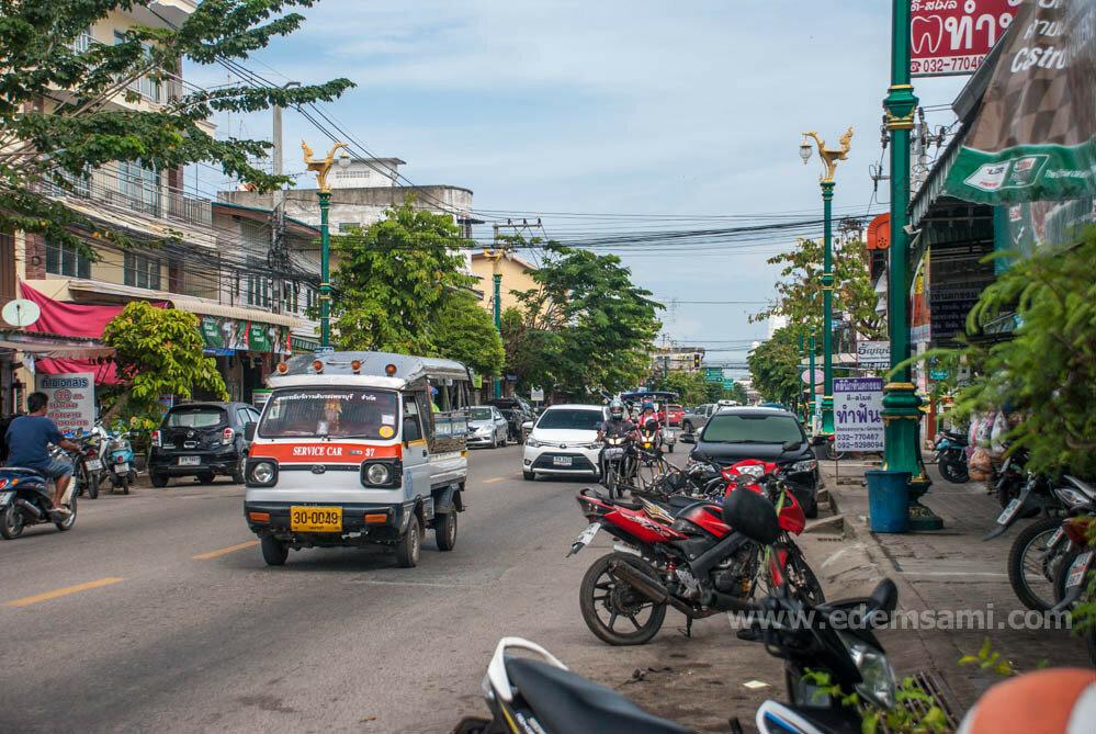 Улица в Пхетчабури