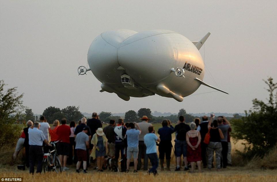 «Представьте себе огромный вертолет. Эта штука может делать все то же самое, и ей даже не нужна взле