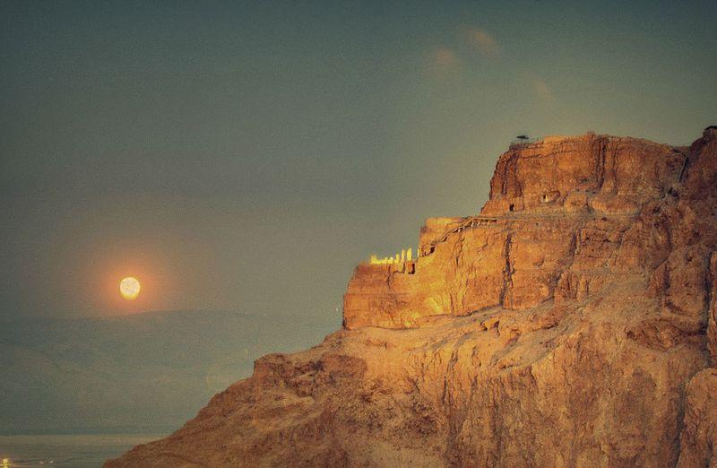 В 73 году н. э. Масада была взята римлянами, которые использовали ее как один из своих опорных пункт