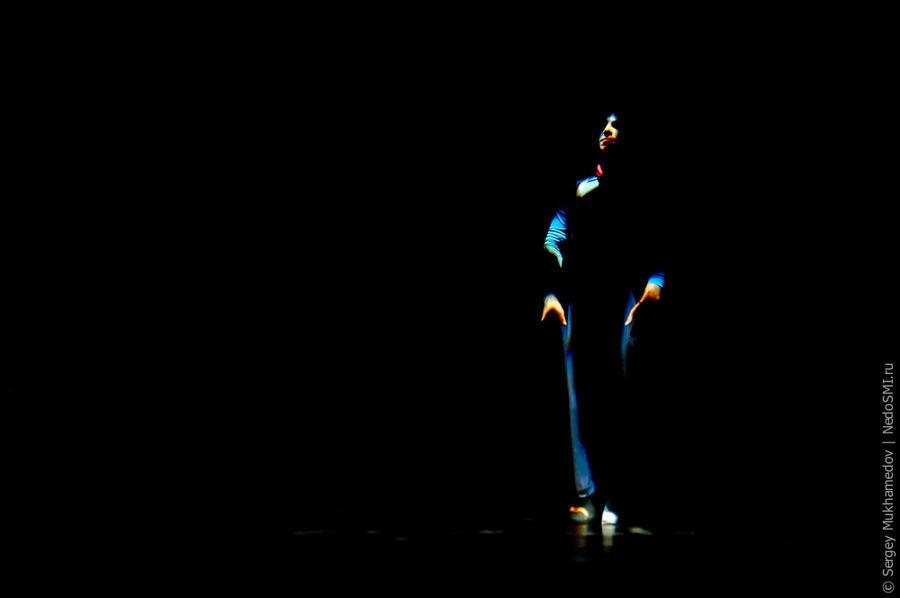 34. Гастроли шоу Quidam пройдут в Москве с 16 по 26 апреля. В Санкт-Петербурге с 29 апреля по 4 мая.
