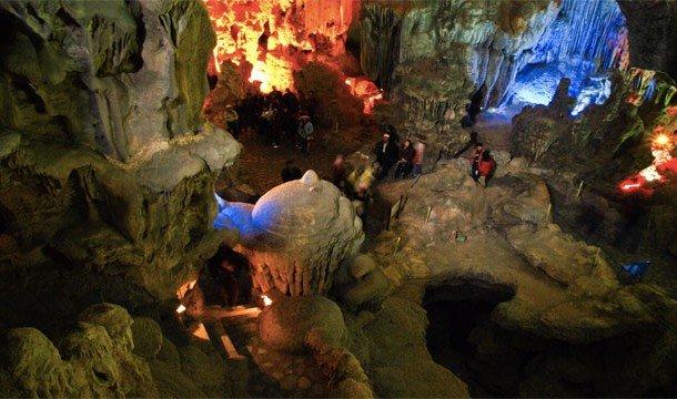 13. The Grotto (Краби, Таиланд) Довольно необычный ресторан в пещере!