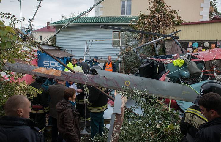 Вертолет рухнул на личный дом вСочи