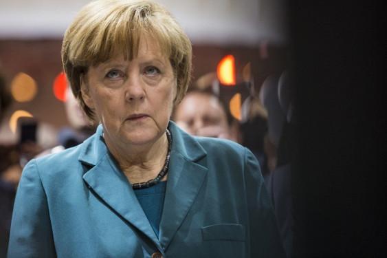 Меркель пригрозила Лондону санкциями вслучае ограничения свободы передвижения