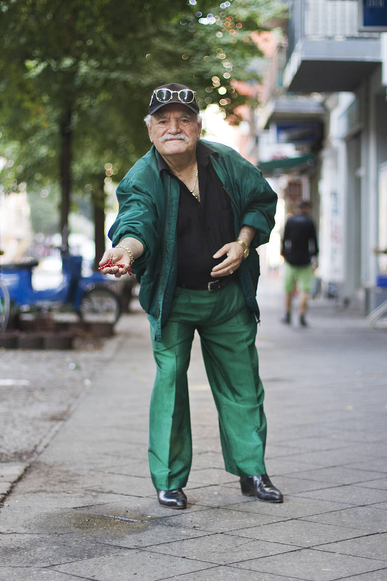 Every morning, this photographer captures the incredible style of an 83-year-old tailor