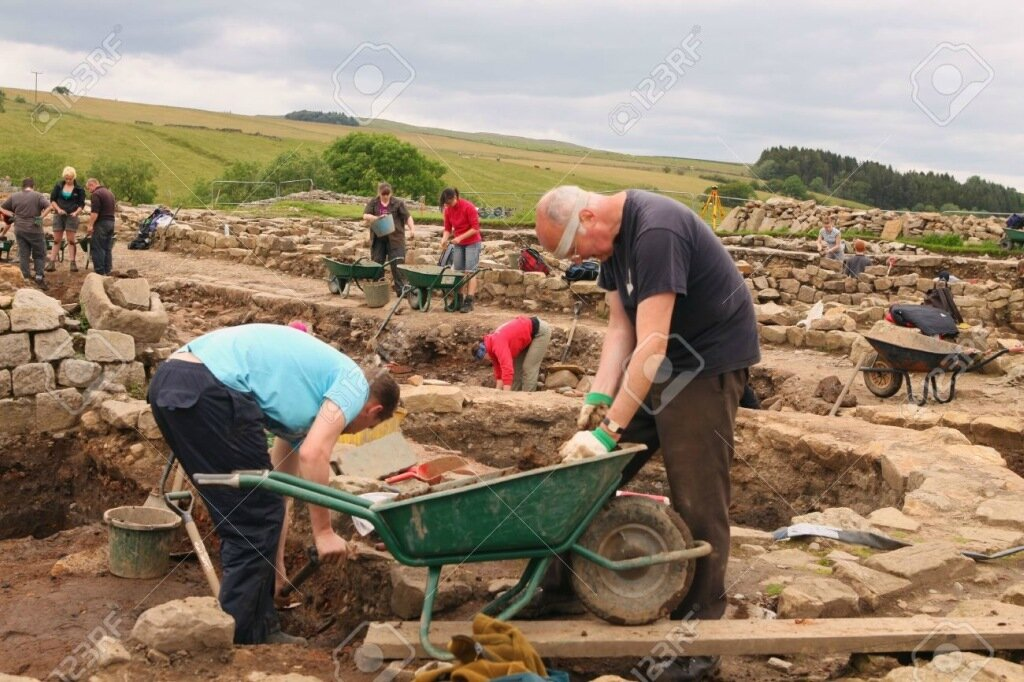 VINDOLANDA-ENGLAND-JULY-12-Unidentified-archaeologists-summer-.jpg