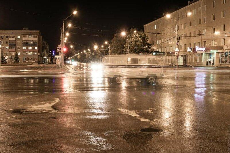 Уазик призрак в ночном городе Каменск-Уральский