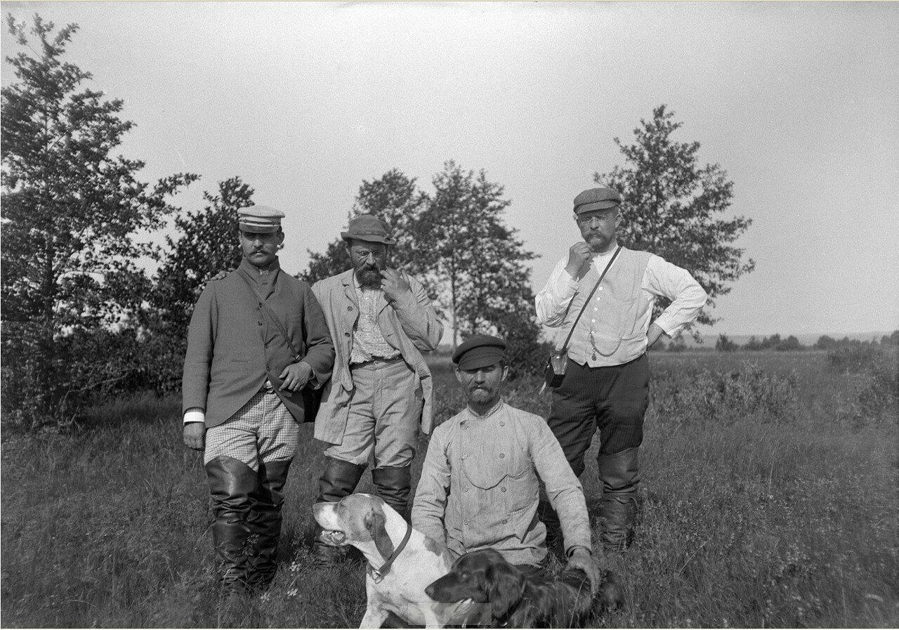 1897. На полевых испытаниях собак