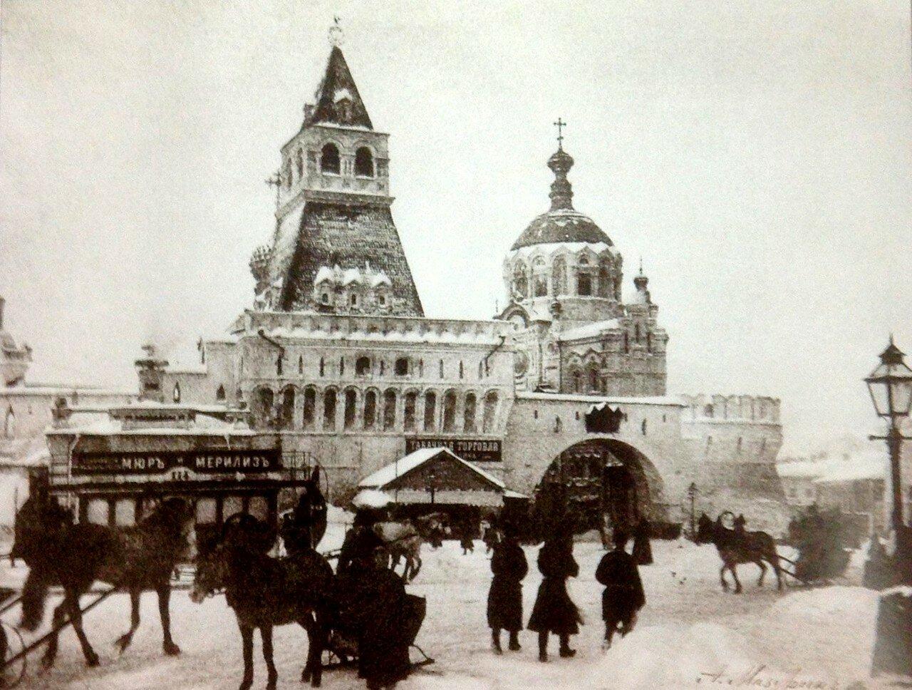 Лубянская площадь зимой
