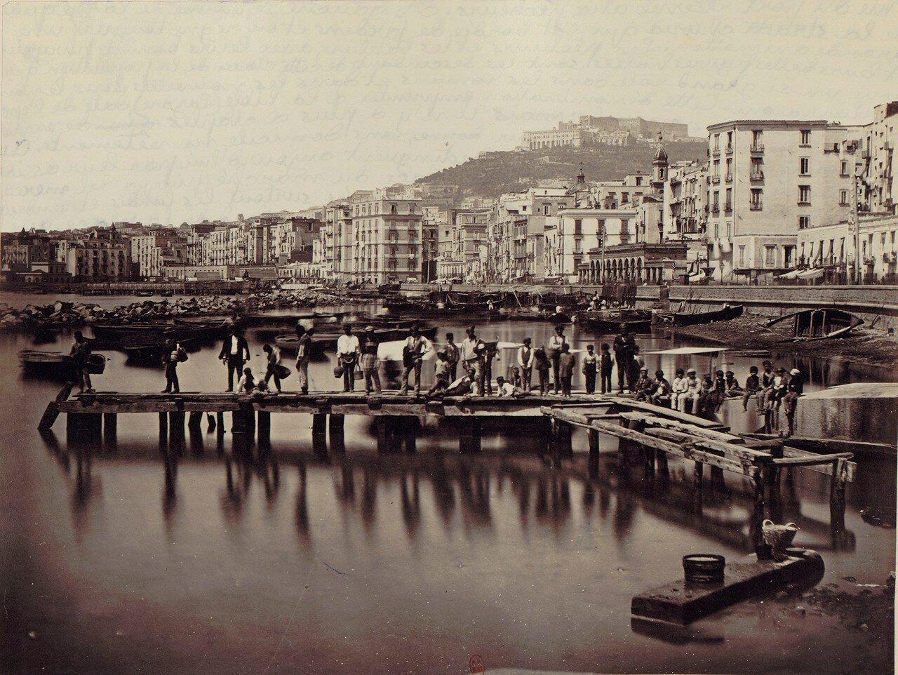 60. Рыбный порт и замок Сант-Эльмо