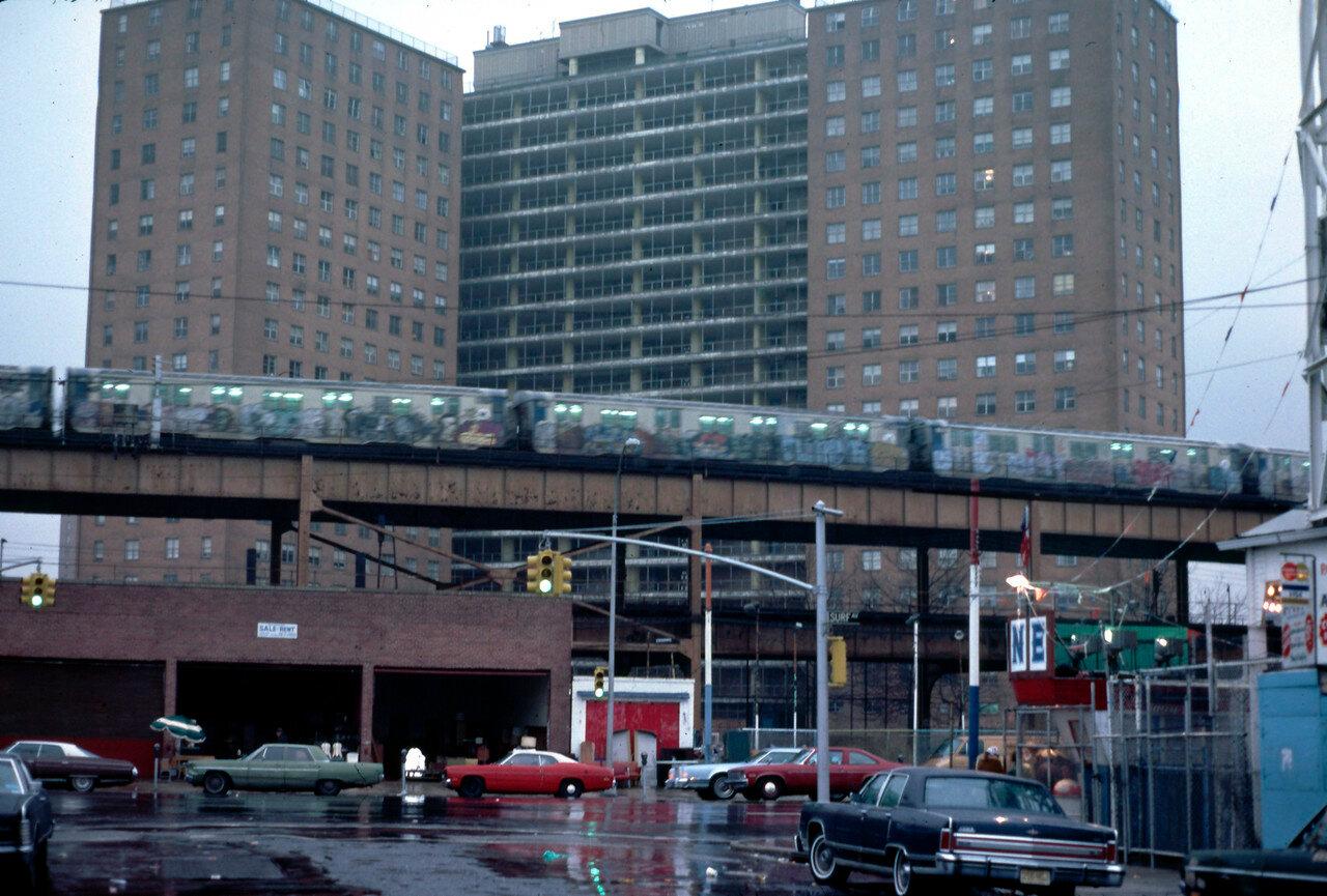 Нью-Йорк. Поезд надземной железной дороги