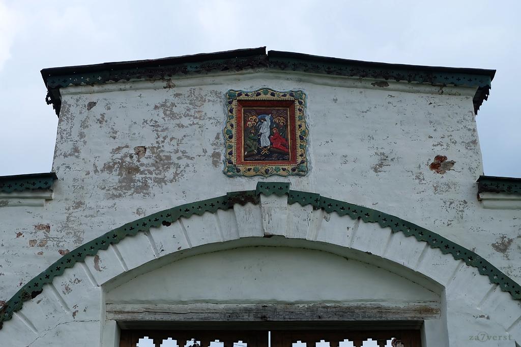Горицкий Воскресенский монастырь в Вологодской области, икона на воротах