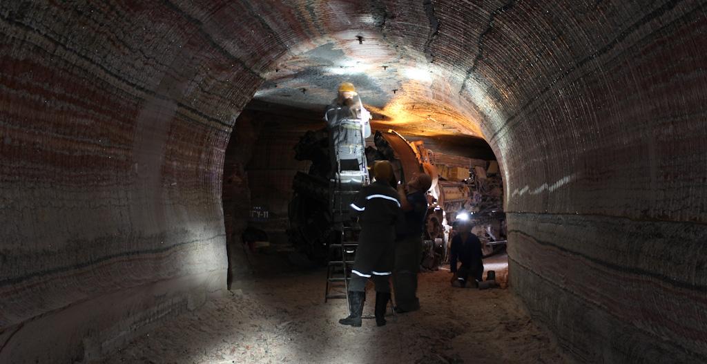Сахалинских шахтеров «Ударновской» трудоустроят вугольной отрасли