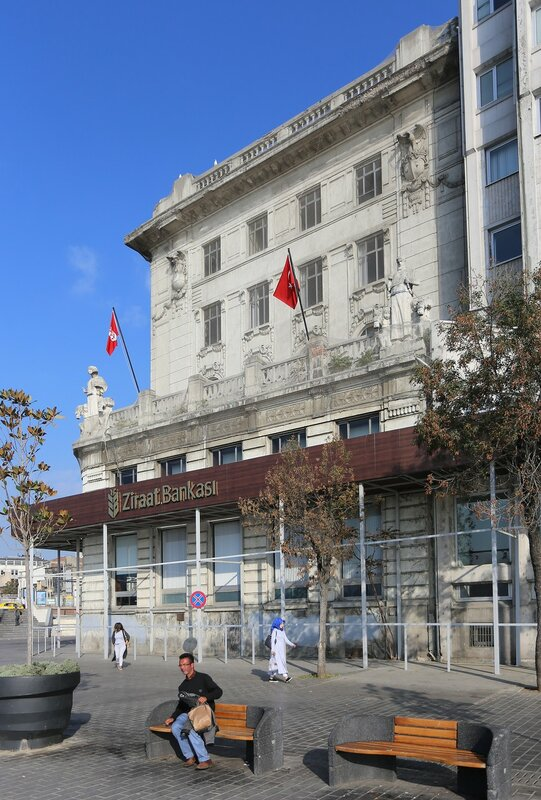 Здание банка Зираат, Каракёй, Стамбул