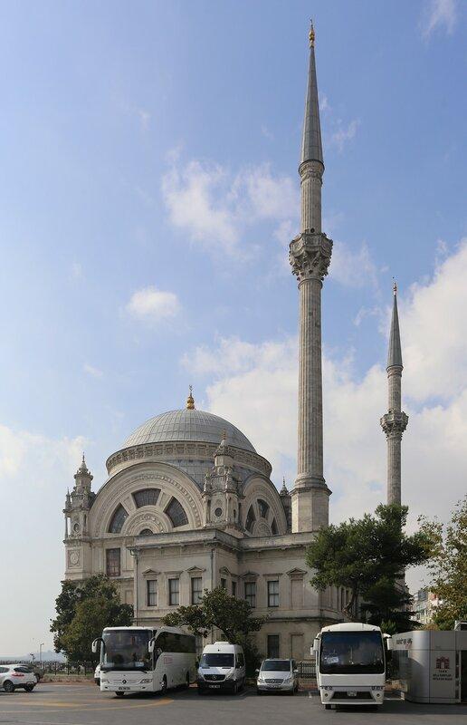 Стамбул. Мечеть Долмабахче (Dolmabahçe Camii)