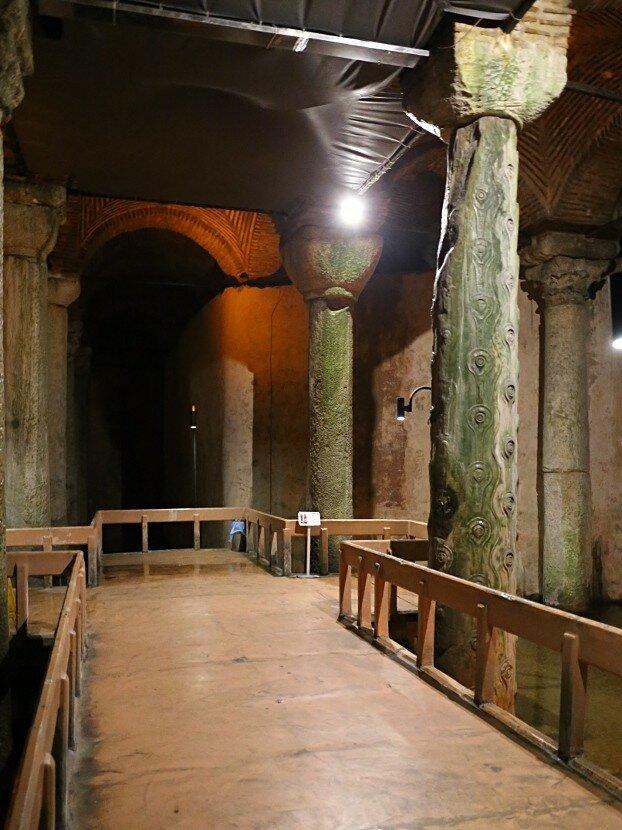 Istanbul. Basilica Cistern (Yerebatan Sarnici)