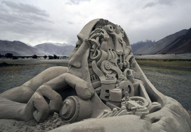 Скульптуры из песка, которые поразят даже самое изощренное воображение (20 фото)