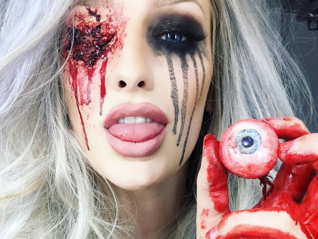 Жуткий грим на Хеллоуин, от которого задергается глаз даже у памятника