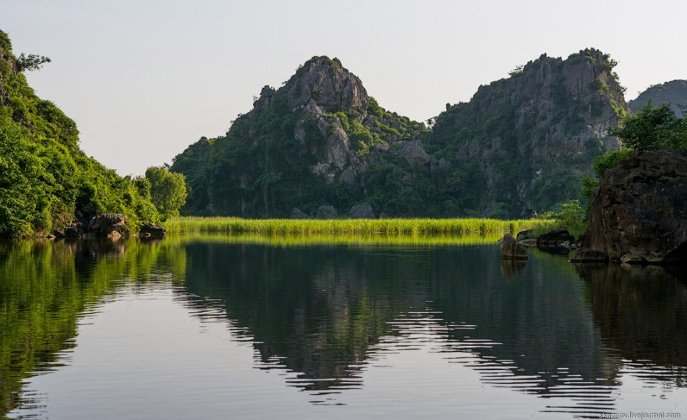 21. Также смотрите « Бухта Халонг во Вьетнаме » и « Прогулки по рисовым террасам ».