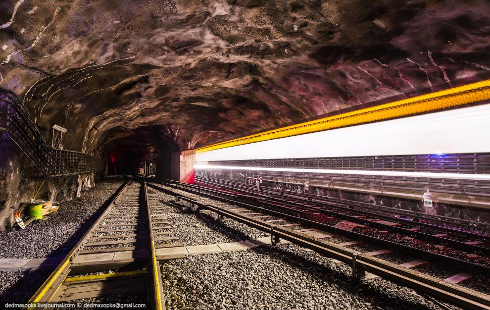 О Стокгольмском метро я напишу потом отдельный пост.