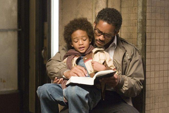 В погоне за счастьем (2006) Это фильм-биография миллионера Криса Гарнера. Действия разворачиваются в