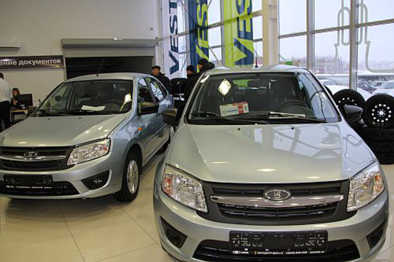 Продажи «АвтоВАЗа» показали рекордный рост вконце осени