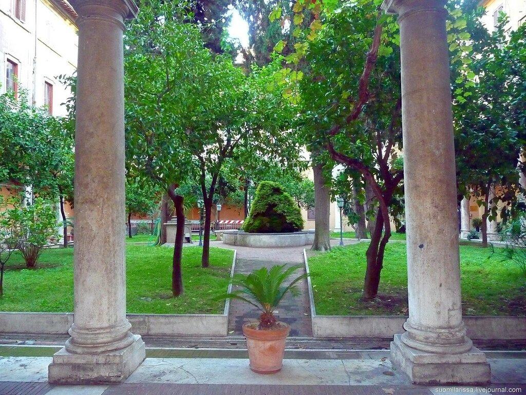 Sant`Andrea delle Fratte (21).JPG