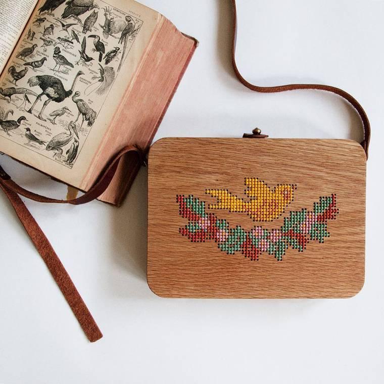 Embroidered wooden bags by Grav Grav