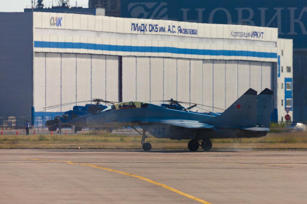 МиГ-35 перед взлетом
