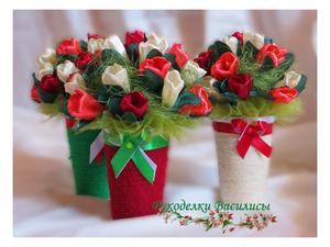 весенние букеты, цветы из атласных лент, тюльпаны из атласных лент, ручная работа, подарки, рукоделки василисы