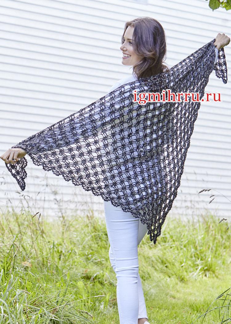 Легкий платок в сеточку и с каймой с веерами. Вязание крючком