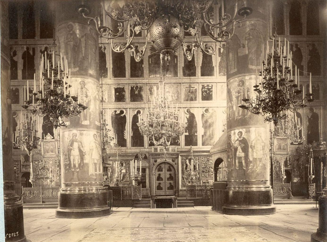 Патриарший Успенский собор в Кремле