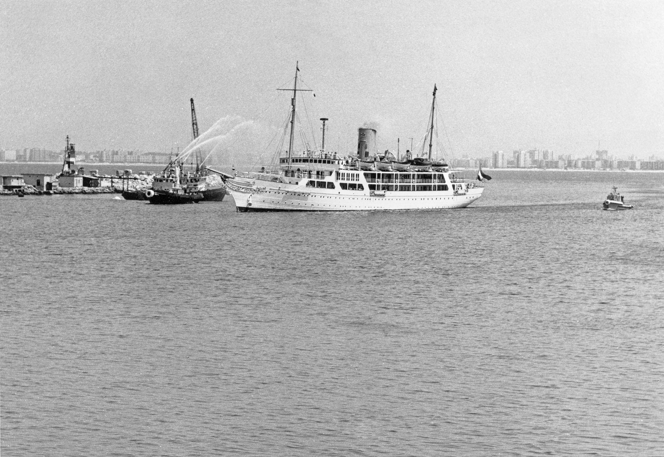 Президентская яхта Анвара Садата в порту Хайфы